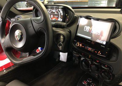 Alfa 4C klapscherm en stuur