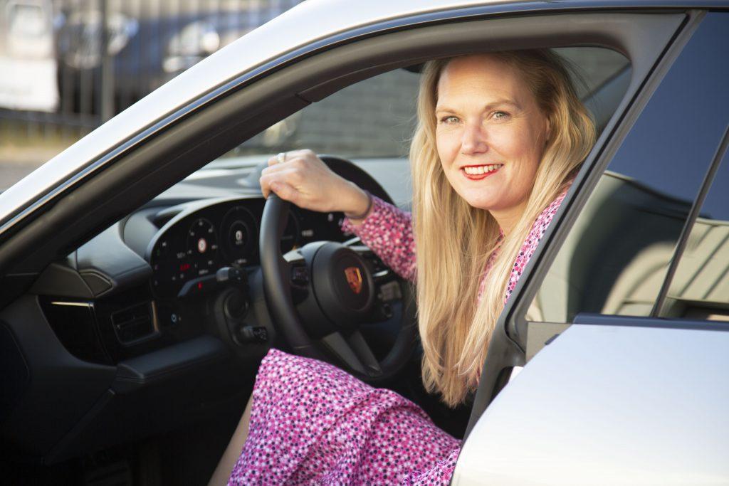 Jessica aan het stuur