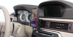 Brodit houder iphone 12 met hand bij iphone